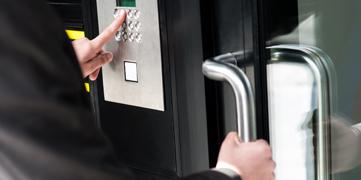 control_seguridad_horario_accesos_servicios_convi